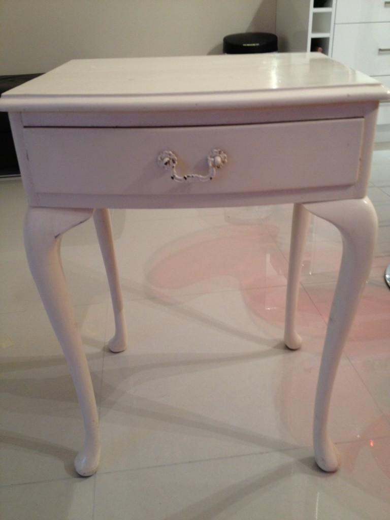 shabby-chic-vintage-side table