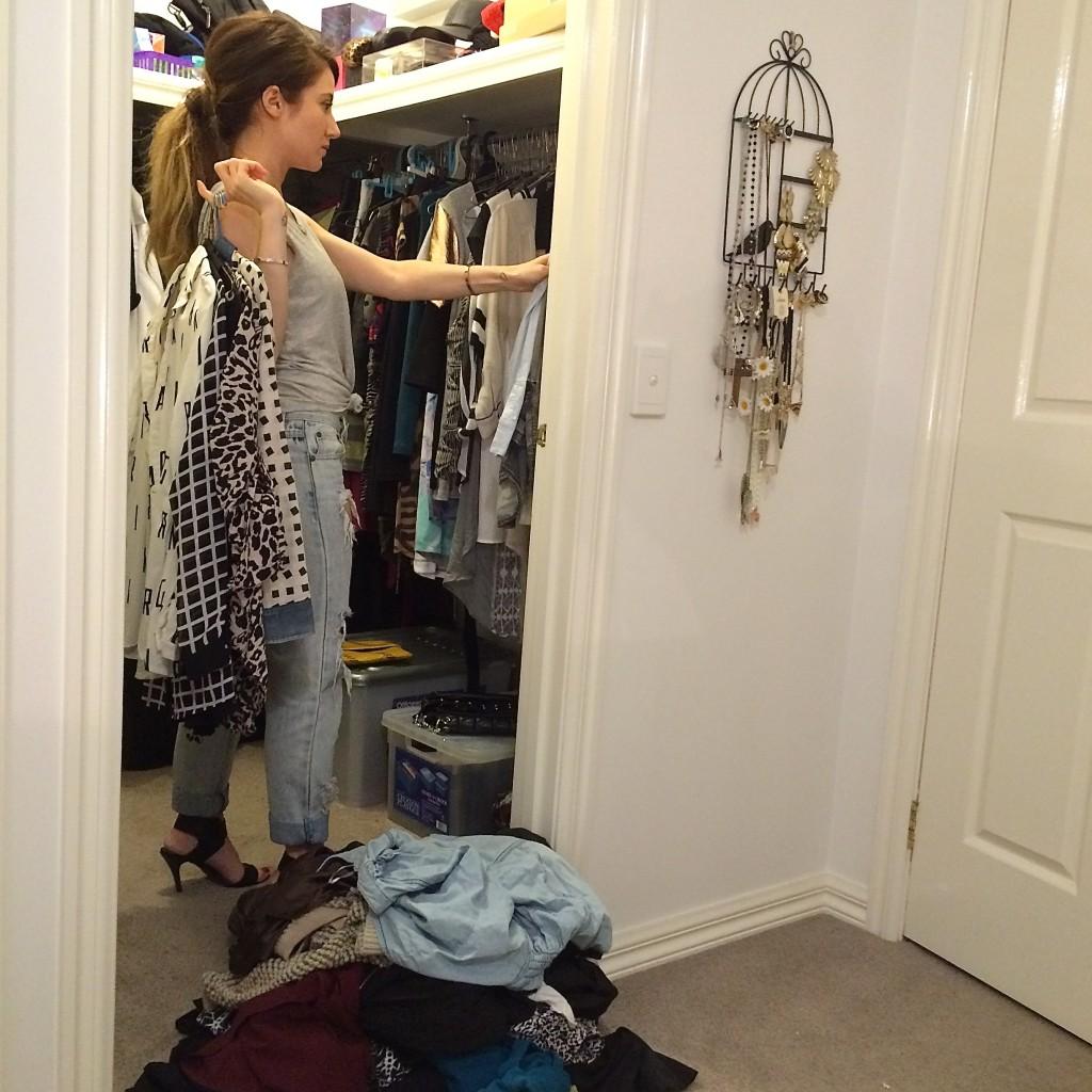 wardrobe-decluttering